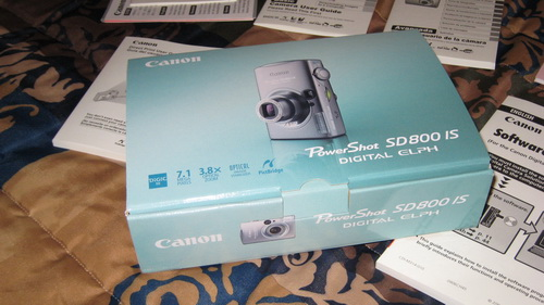 canon-powershot-sd800-widescreen.jpg